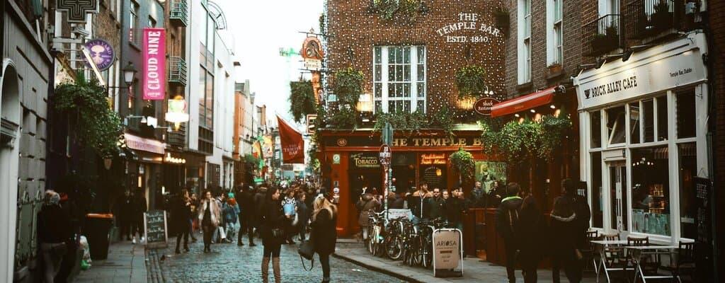moving to ireland - Temple bar street, Dublin, Ireland.